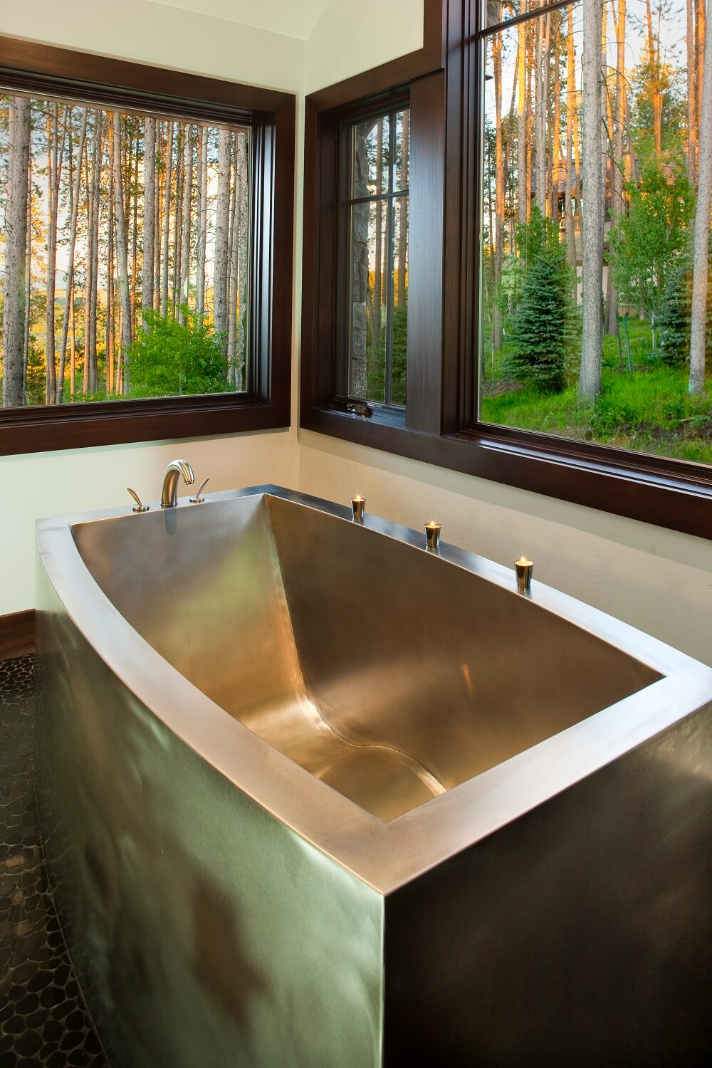 Attractive Stainless Steel Contemporary Oval Bath With Mid Contoured Bottom
