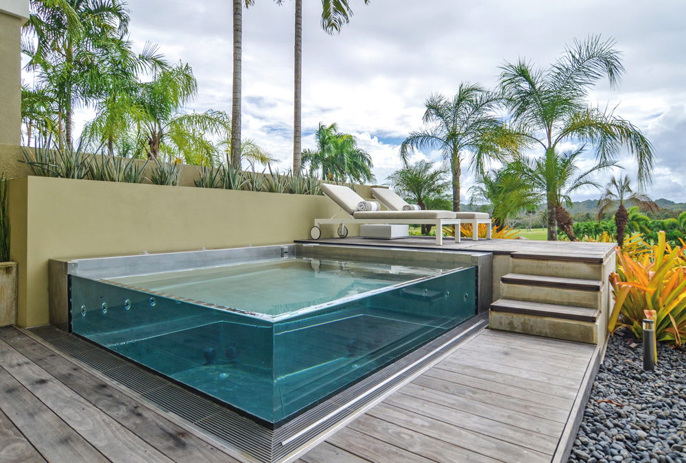 Stainless Steel And Acrylic Walled Spa 120 X 127